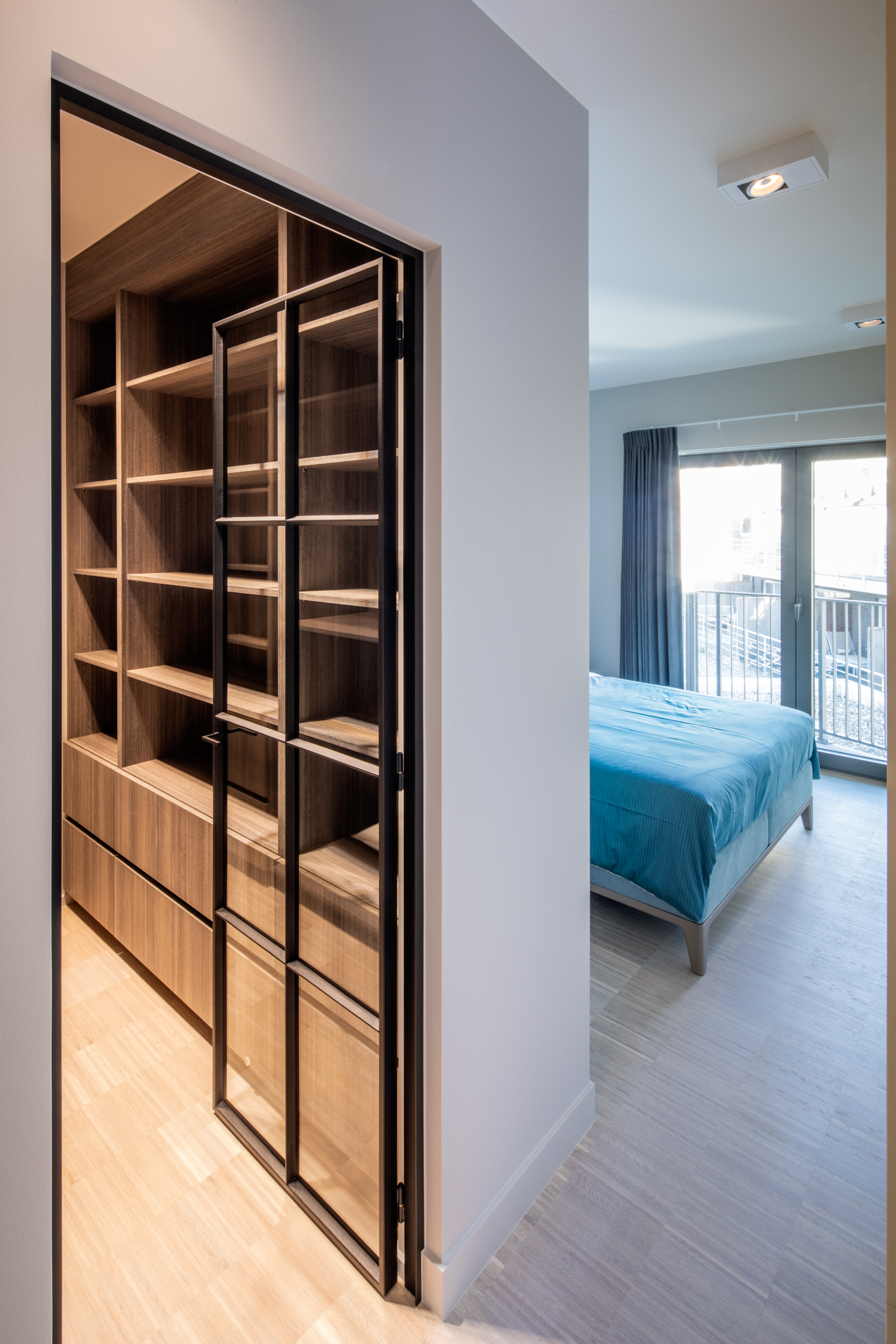 Differend---36---Knokke---Dressing-slaapkamer